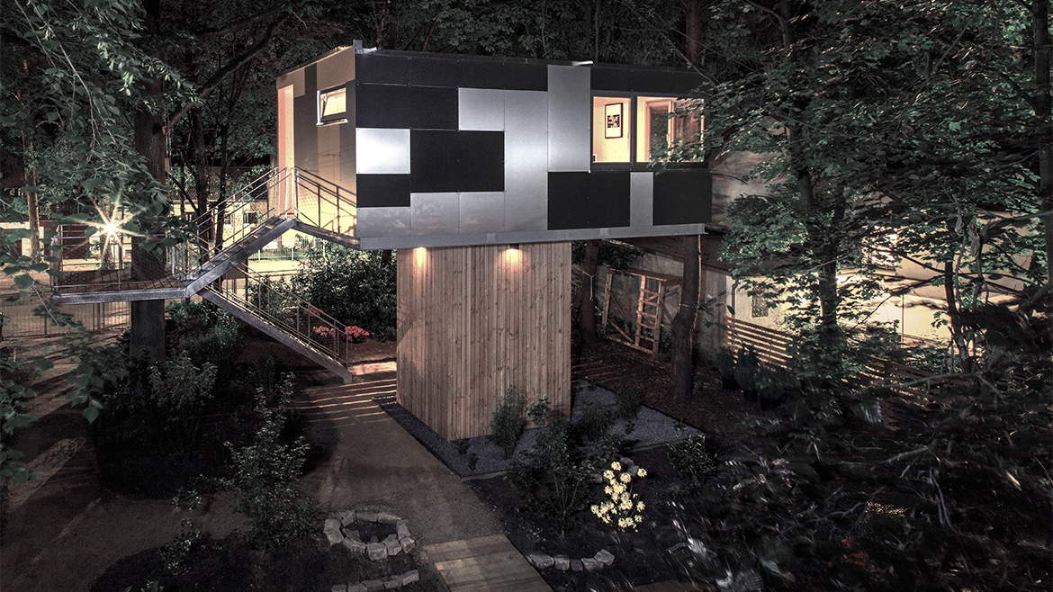 THE URBAN TREE HOUSE 13