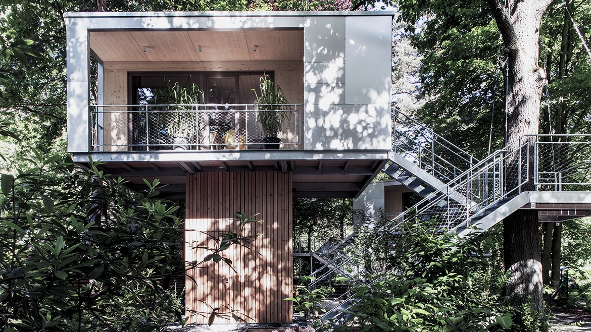 THE URBAN TREE HOUSE 1