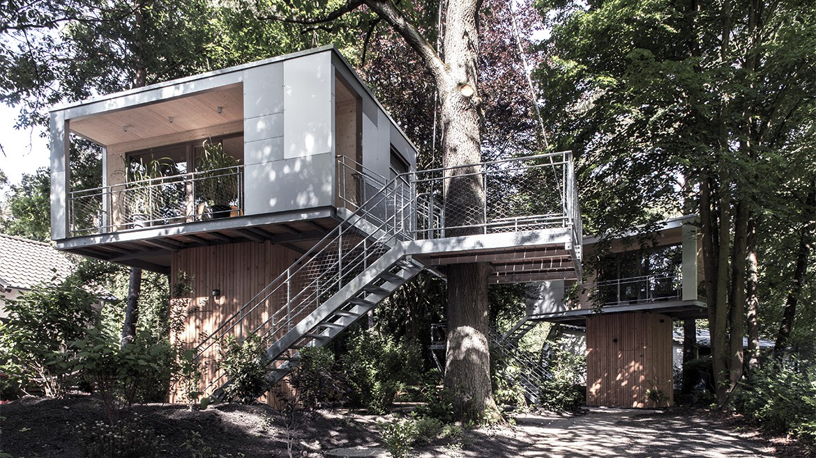 THE URBAN TREE HOUSE 7