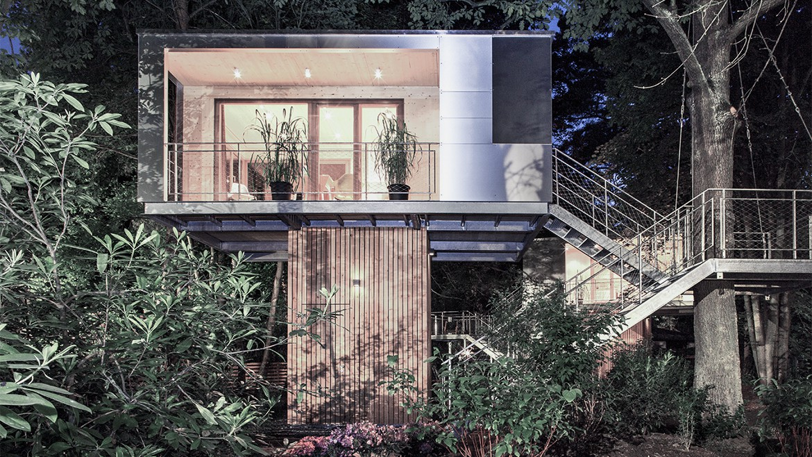 THE URBAN TREE HOUSE 9
